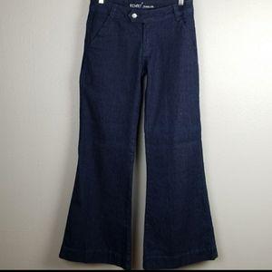 Revolt jeans size 9 EUC